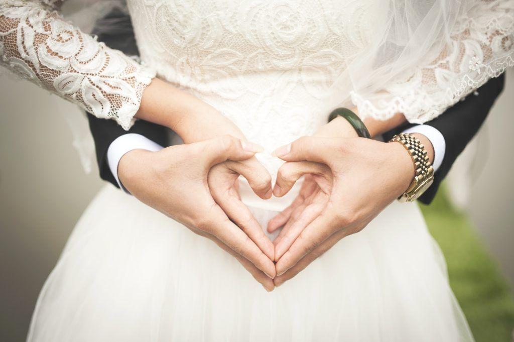 แหวนหมั้นกับแต่งงาน